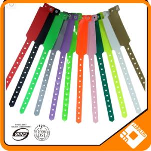 Wholesale soft plastic adjustable pvc vinyl wristband custom